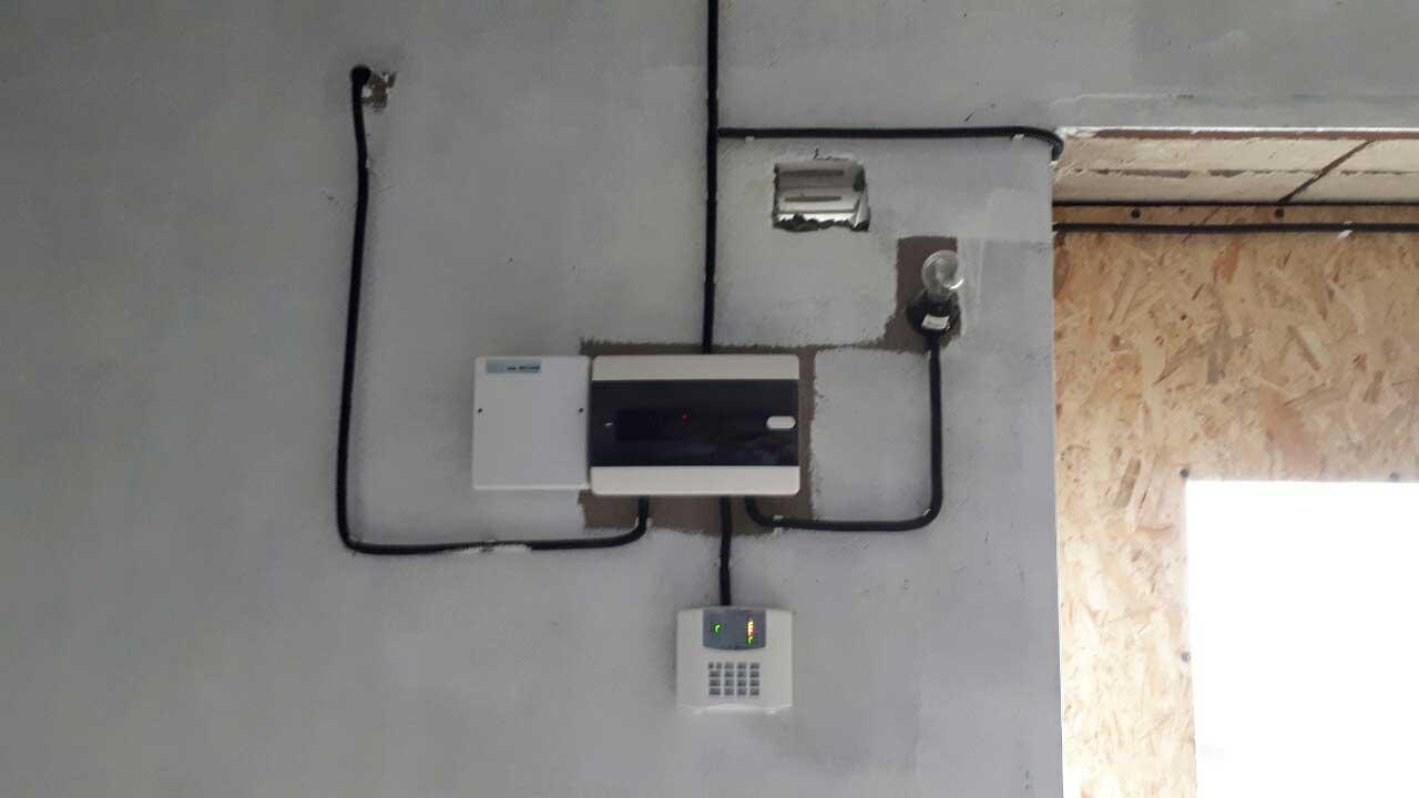 Пример установки охранной сигнализации в гараже